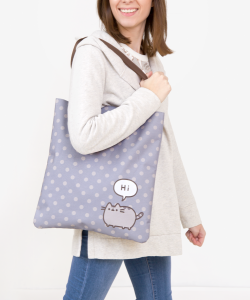 polka-dot-tote-bag-model